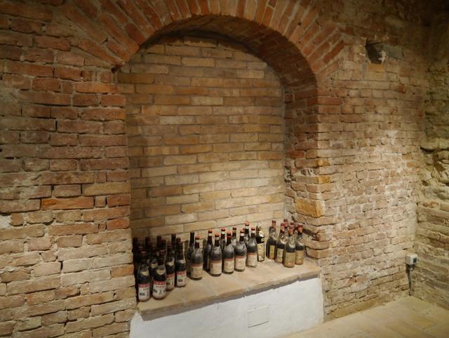 Vakre omgivelser i vinkjelleren til Tenuta il Sogno