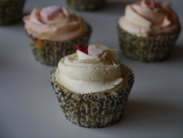 Sitroncupcakes og lemoncurd - en søt favoritt