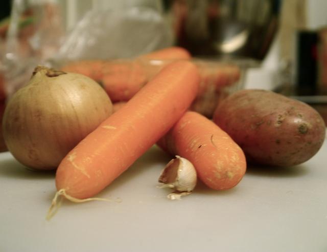 enkle billige råvarer blir nydelig suppe